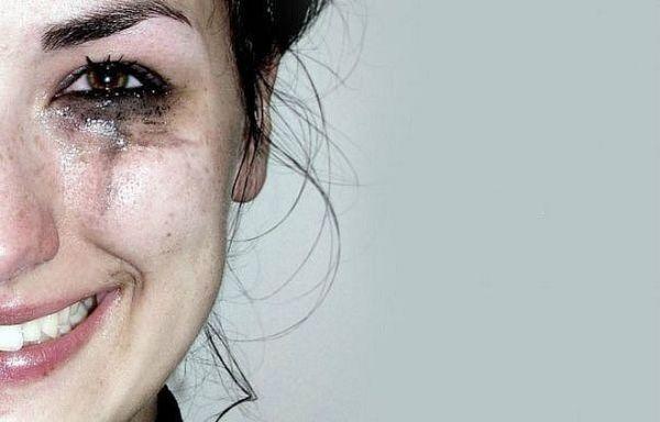 При оргазме женщина плачет