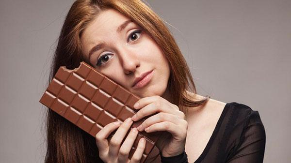 Почему не стоит отказывать себе в удовольствии есть темный шоколад? 10 причин