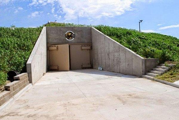 Подземный бункер на случай атомной войны