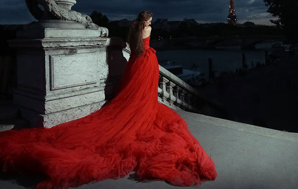 Lady in red....