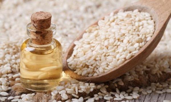 Кунжутное масло — полезные свойства и применение
