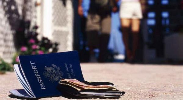 Как вернуться домой, если в путешествии украли все документы